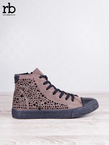 ROCCOBAROCCO brązowe zamszowe sneakersy true suede z czarnymi błyszczącymi kamieniami                                  zdj.                                  1