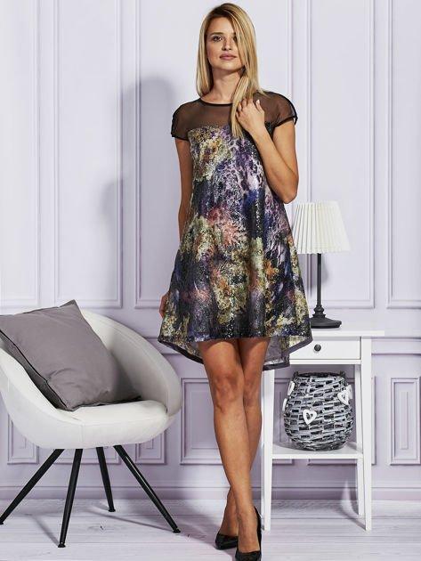 Rozkloszowana sukienka z cekinami                              zdj.                              4