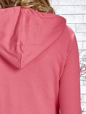 Różowa bluza z kapturem i napisem HONOUR                                  zdj.                                  8