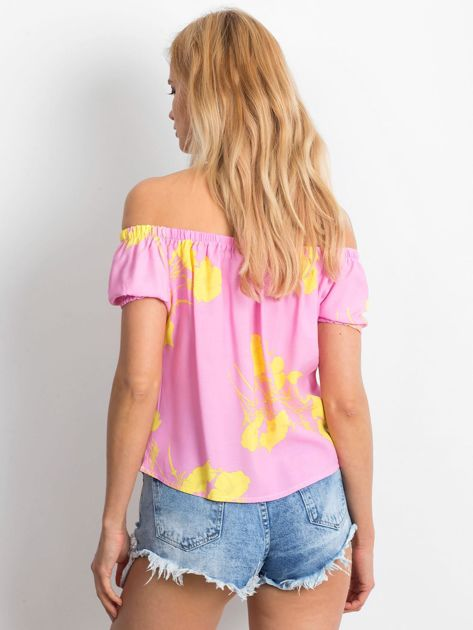 Różowa bluzka hiszpanka w kwiaty                              zdj.                              2