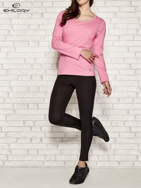 Różowa bluzka sportowa z dekoltem U                                  zdj.                                  2