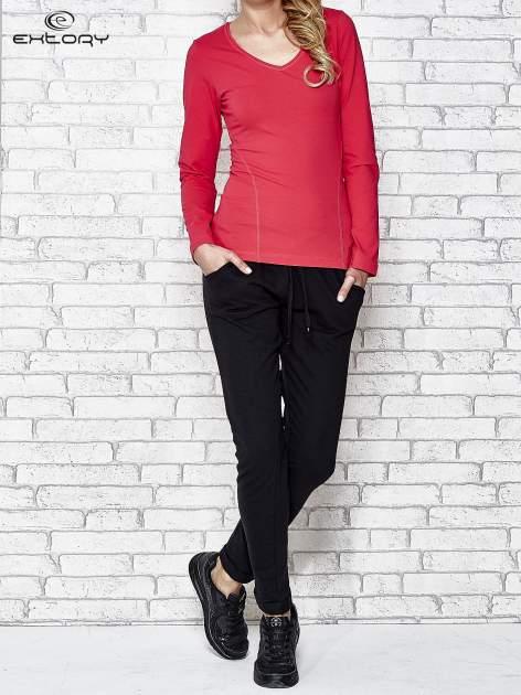 Różowa bluzka sportowa z dekoltem V                                  zdj.                                  2