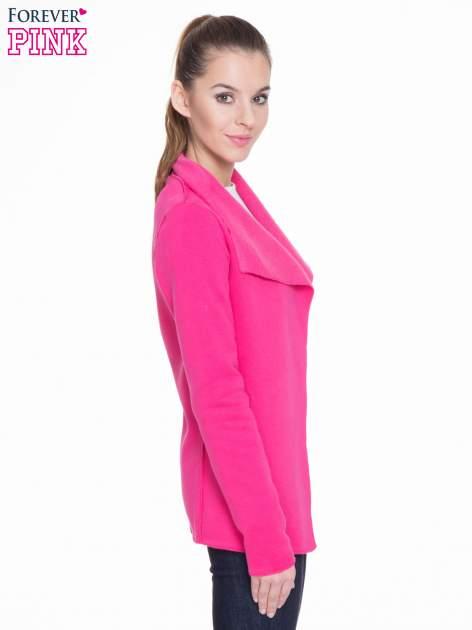 Różowa bluzonarzutka z klapami o kroju waterfall                                  zdj.                                  3