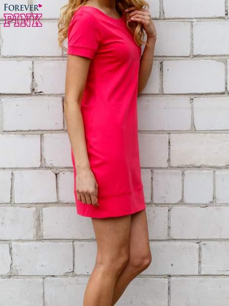 Różowa gładka sukienka ze ściągaczem na dole                                  zdj.                                  2