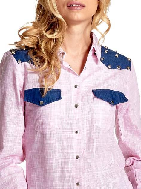 Różowa koszula w kratę ze wstawkami na ramionach i patkami z denimu                                  zdj.                                  6