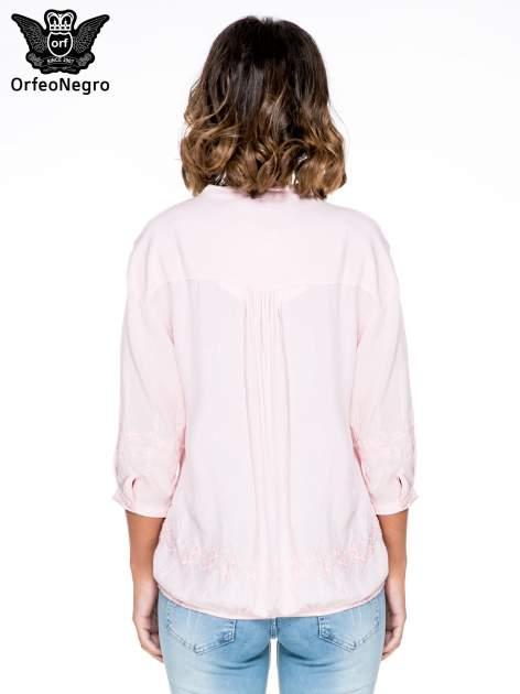 Różowa koszula w stylu boho z kwiatowym haftem                                  zdj.                                  4