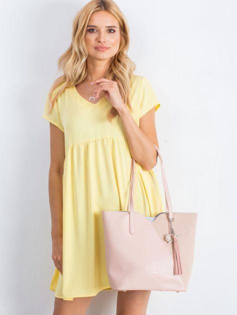 Różowa miejska torba z zawieszką