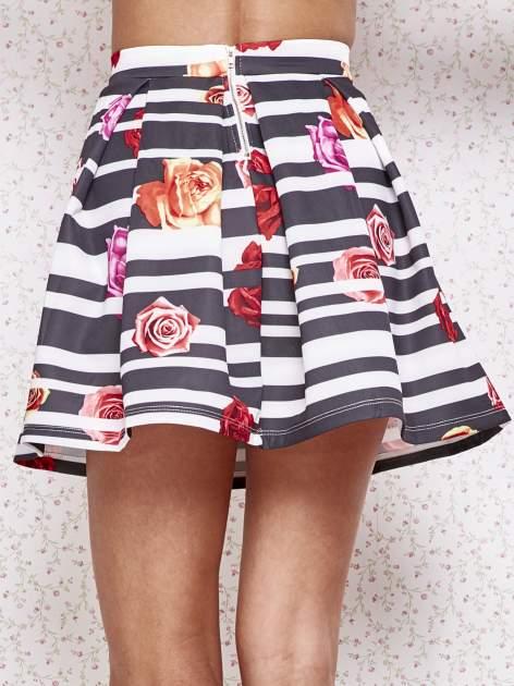 Różowa minispódnica z kontrafałdami w kwiaty                                  zdj.                                  6
