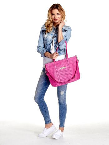 Różowa pleciona torba shopper bag ze złotym detalem                                  zdj.                                  2