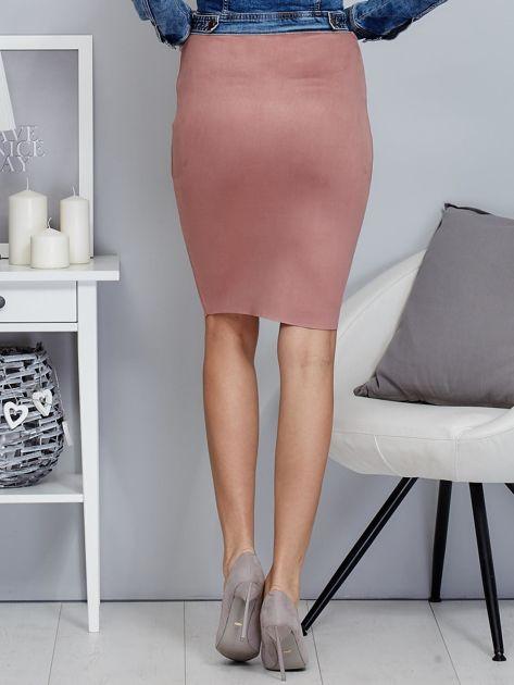 Różowa spódnica z imitacji zamszu                              zdj.                              2
