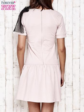 Różowa sukienka dresowa z kokardą z tiulu                                  zdj.                                  4