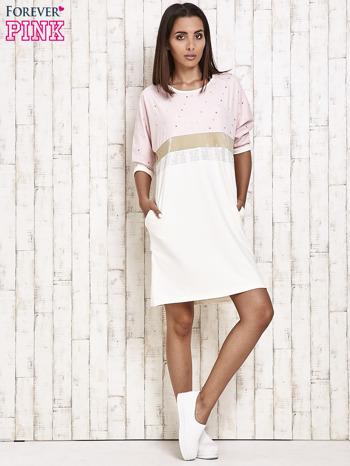 Różowa sukienka dresowa z kryształkami i dżetami                                  zdj.                                  2