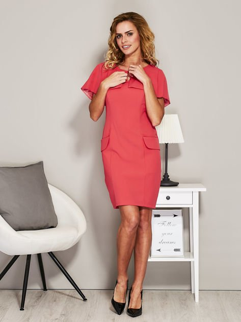Różowa sukienka koktajlowa z narzutką                               zdj.                              4