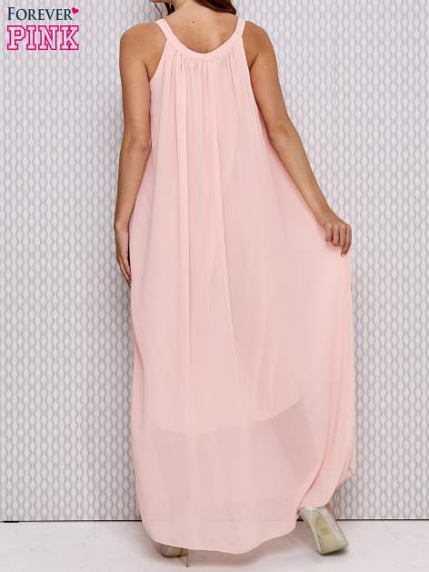 Różowa sukienka maxi z wiązaniem przy dekolcie                                  zdj.                                  2