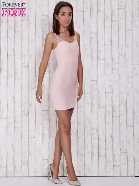 Różowa sukienka tuba z tiulowymi ramiączkami                                  zdj.                                  4