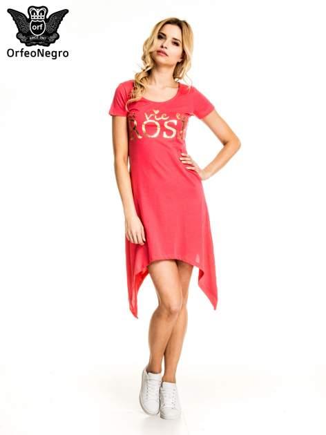 Różowa sukienka z asymetrycznymi bokami i złotym napisem LA VIE EN ROSE                                  zdj.                                  1