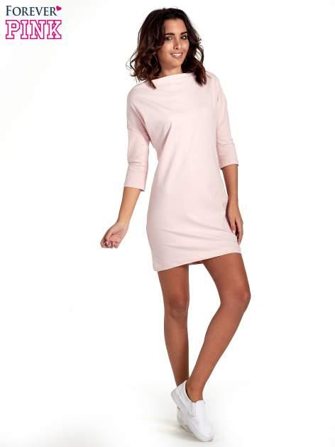 Różowa sukienka z dekoltem w łódkę                                  zdj.                                  5