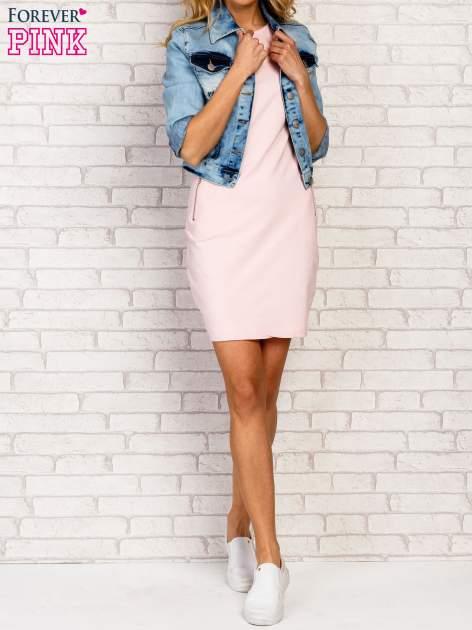 Różowa sukienka z kieszeniami na suwak                                  zdj.                                  2