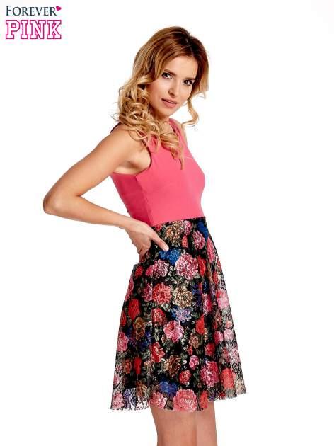 Różowa sukienka z kwiatowym dołem                                  zdj.                                  3