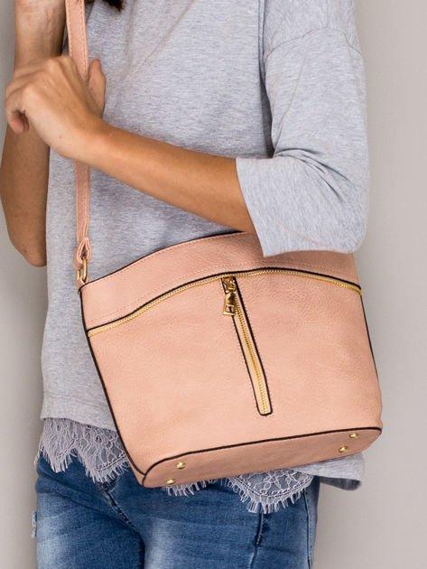 Różowa torebka ze złotymi suwakami                              zdj.                              4