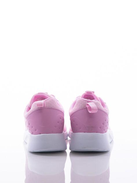 Różowe buty sportowe na sprężystej podeszwie z ciemniejszą wstawką na pięcie                              zdj.                              2