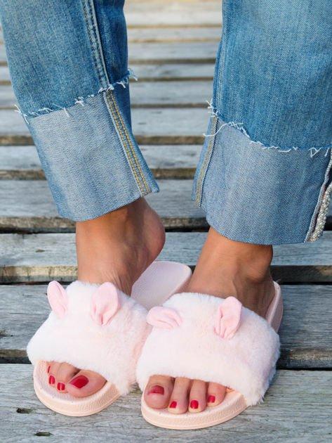 Różowe futrzane klapki z ozdobnymi uszkami                                   zdj.                                  6