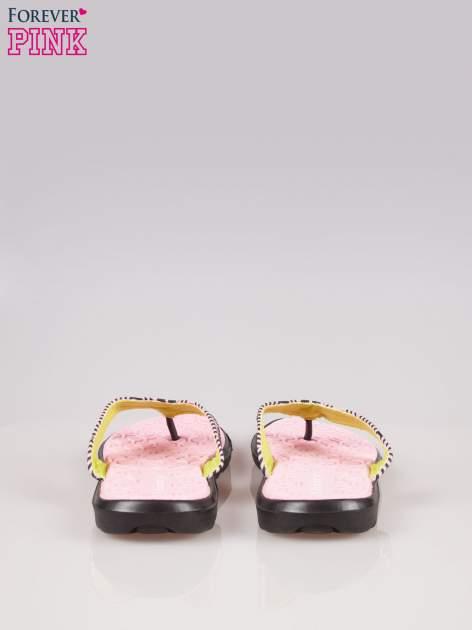 Różowe gumowe japonki z wzorem                                  zdj.                                  3