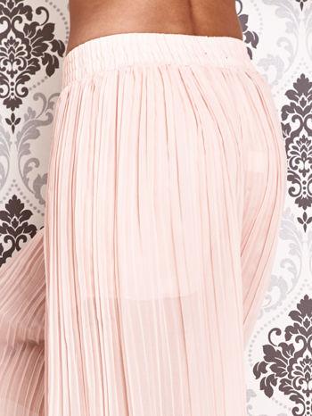 Różowe plisowane spodnie palazzo                                   zdj.                                  4