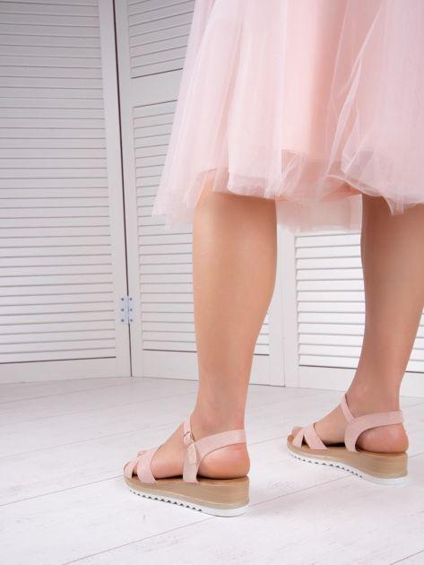 Różowe sandały BELLO STAR na podwyższeniu z paskami na krzyż                              zdj.                              5