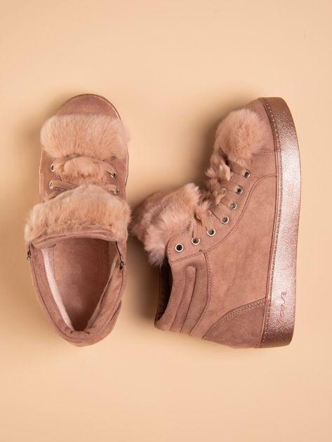Różowe sznurowane sneakersy Keris z zamszu z perłową podeszwą