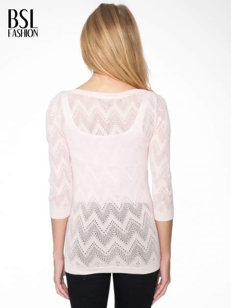Różowy ażurowy sweterek z rękawem 3/4                                  zdj.                                  3