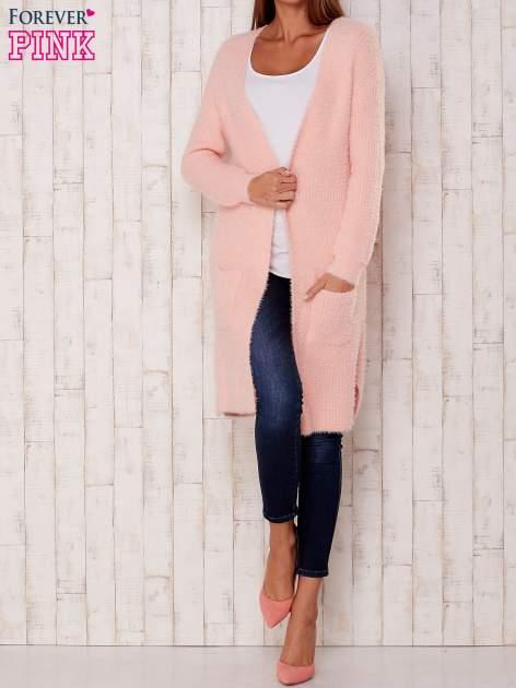 Różowy długi puszysty sweter                                  zdj.                                  2