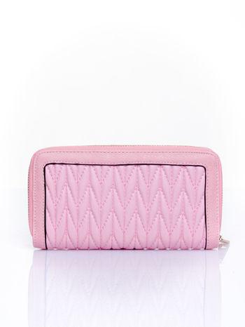 Różowy pikowany portfel ze złotym suwakiem                                  zdj.                                  2
