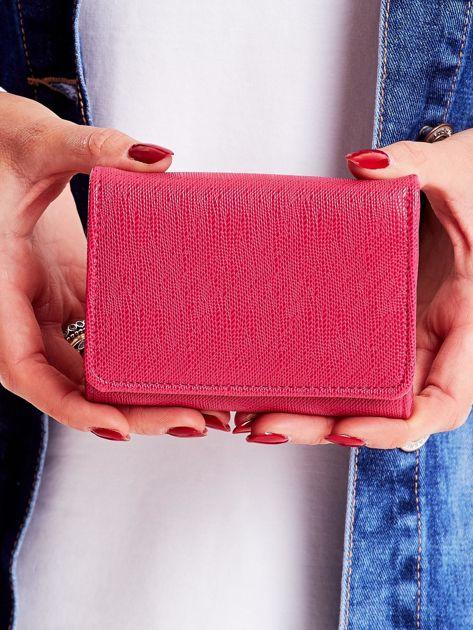 Różowy portfel damski zapinany na zatrzask
