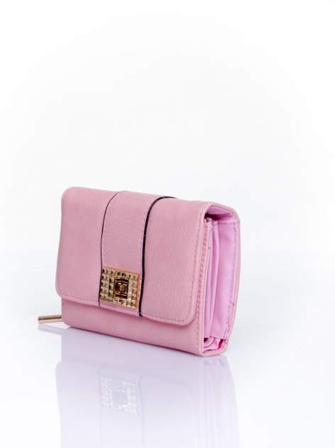 Różowy portfel z ozdobnym zapięciem                                  zdj.                                  3