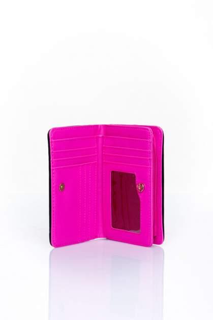 Różowy portfel z plecionkowym wykończeniem                                  zdj.                                  3