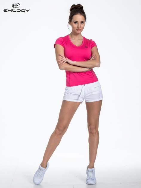 Różowy sportowy t-shirt z dekoltem U                                  zdj.                                  2