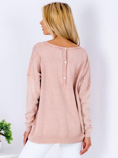 Różowy sweter z guzikami z tyłu                              zdj.                              2