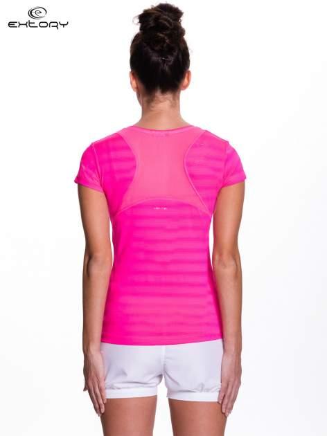 Różowy t-shirt sportowy w paseczki                                  zdj.                                  4