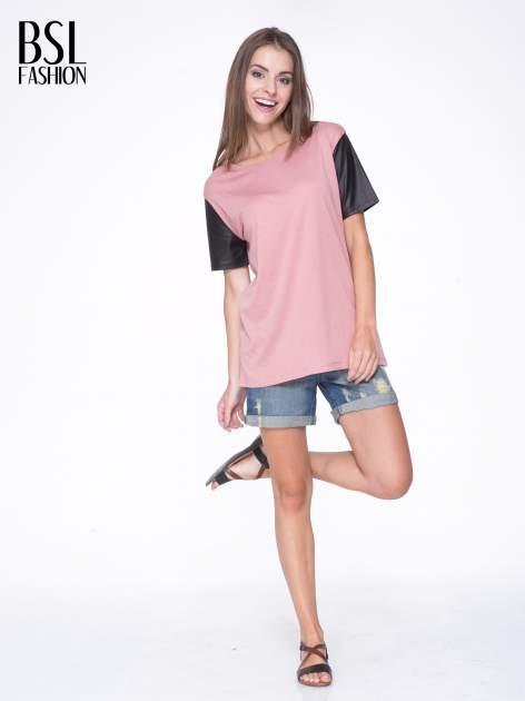 Różowy t-shirt z czarnymi skórzanymi rękawami                                  zdj.                                  5