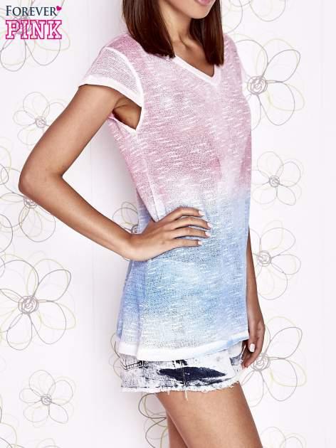 Różowy t-shirt z efektem jasnoniebieskiego ombre                                  zdj.                                  3