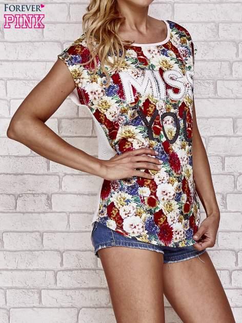 Różowy t-shirt z kwiatowym przodem z dżetami                                  zdj.                                  3
