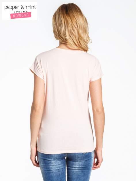 Różowy t-shirt z nadrukiem JOY OF LIFE                                  zdj.                                  3