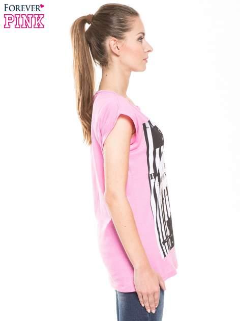Różowy t-shirt z nadrukiem kobiety w stylu fashion                                  zdj.                                  3