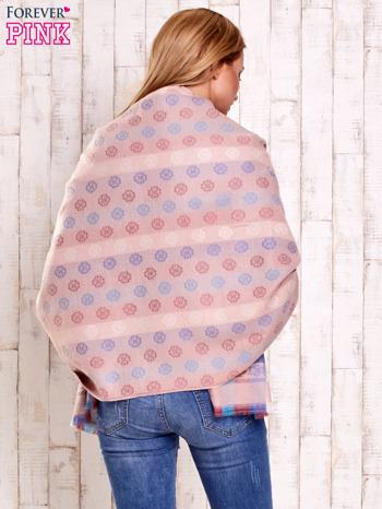 Różowy wełniany szalik z geometrycznymi motywami                                  zdj.                                  5
