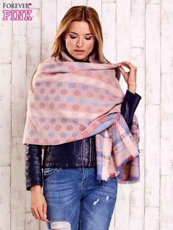 Różowy wełniany szalik z geometrycznymi motywami                                  zdj.                                  4
