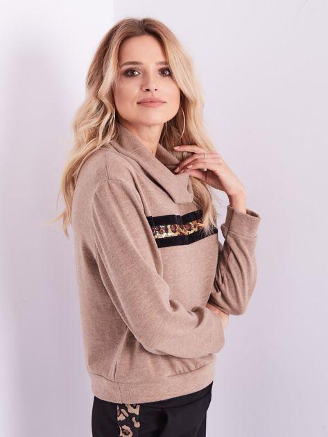 Beżowy sweter golf z cekinowym zdobieniem                              zdj.                              8