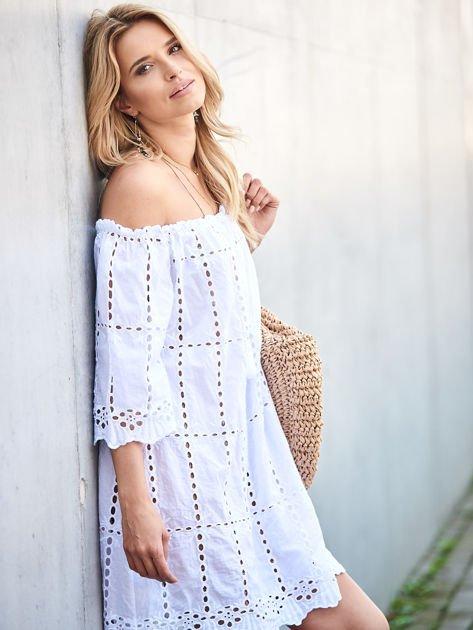 Biała sukienka hiszpanka z boho troczkiem i haftem                              zdj.                              2