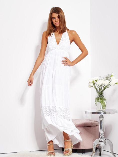 Biała sukienka maxi z koronką i wiązaniem na szyi                              zdj.                              1