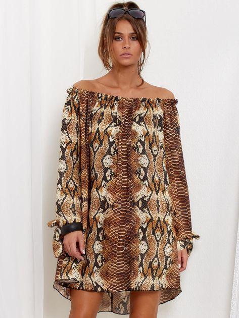 SCANDEZZA Brązowa sukienka hiszpanka oversize ze wzorem skóry węża                              zdj.                              2